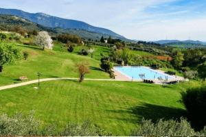La piscina di Villa Cariola